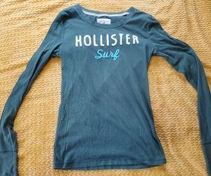 Womens Hollister long sleeved tshirt
